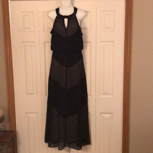 London Times Dresses & Skirts - Like new London Times black maxi dress